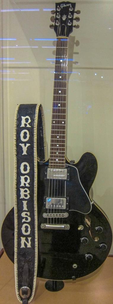 roy orbison guitar
